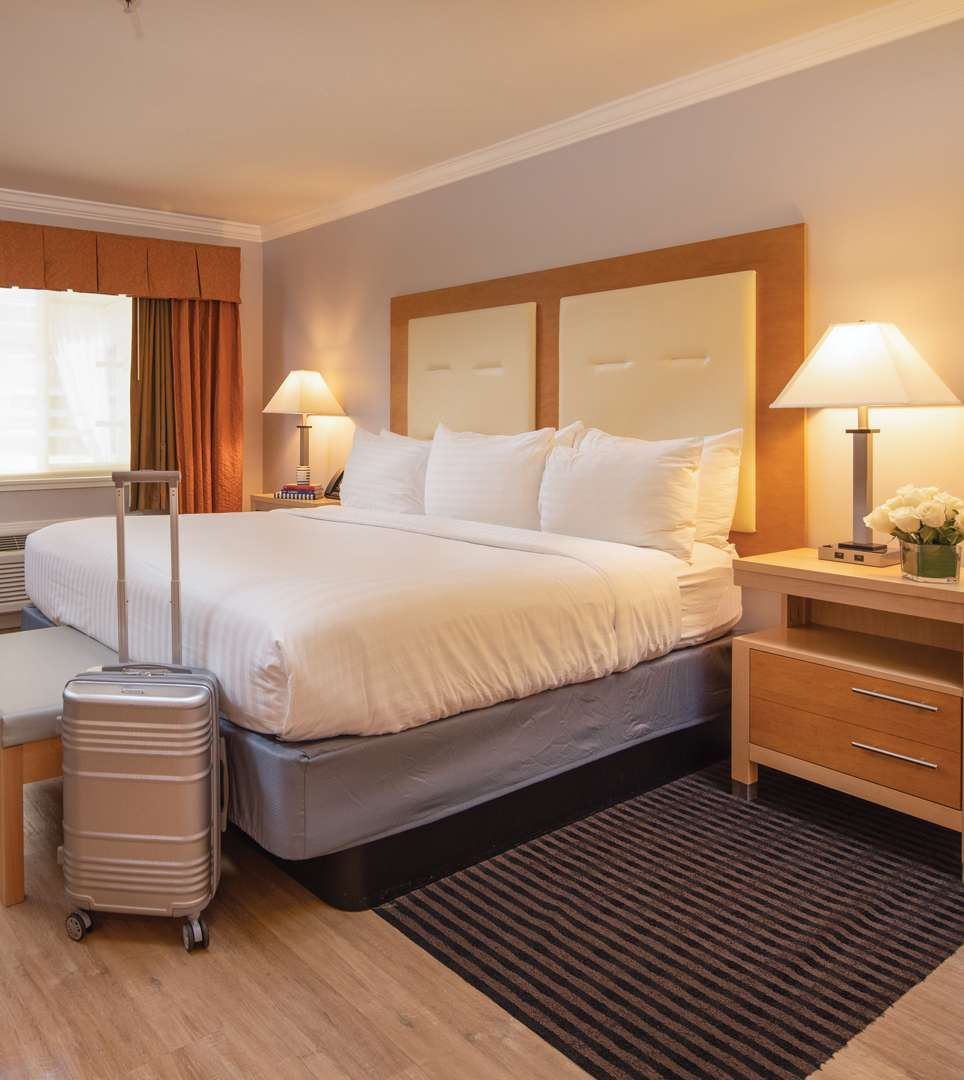 THE MILLWOOD MAKES 'GREEN' LUXURIOUS <span class='textsmall'>EARTH-FRIENDLY ACCOMMODATIONS IN MILLBRAE, CA</span>
