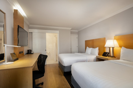 DELUXE DOUBLE ACCESSIBLE ROOM